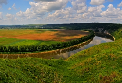 5 less known places in Ukraine which should be visited by car