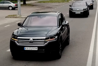 Пополнение внедорожниками Volkswagen Touareg 2021